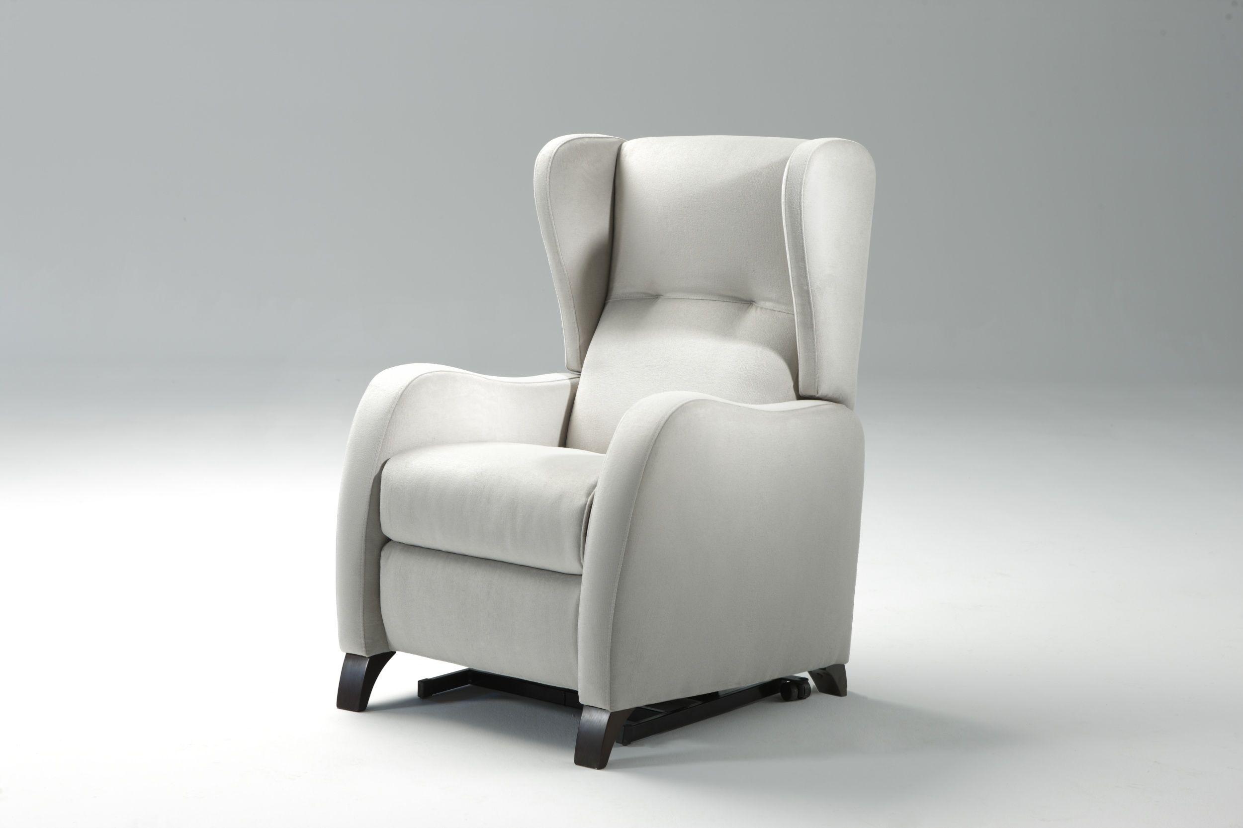 Cuanto cuesta tapizar un sillon orejero silln orejero for Cuanto cuesta una silla