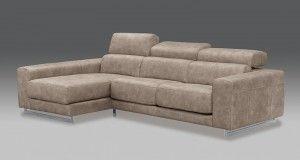 Sofa chaise longue modulable de color marrón claro.
