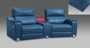 Sofa con luz modelo Comfort Plus. de color azul y patas cromadas.